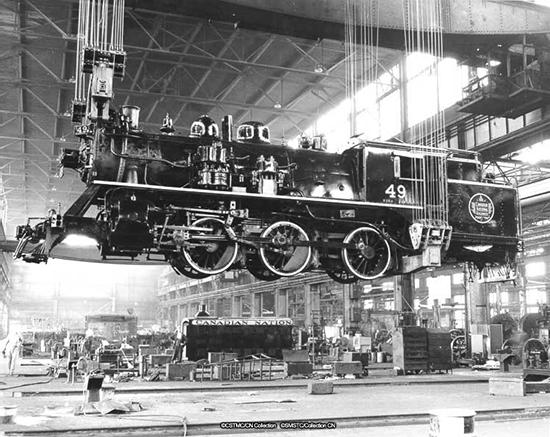 Locomotive dans les Shops Angus