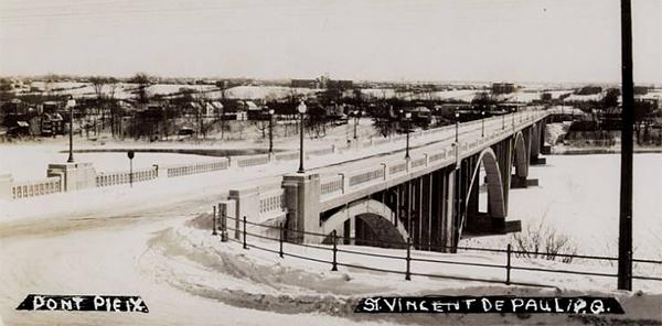 Pont Pie-IX vu de Laval.