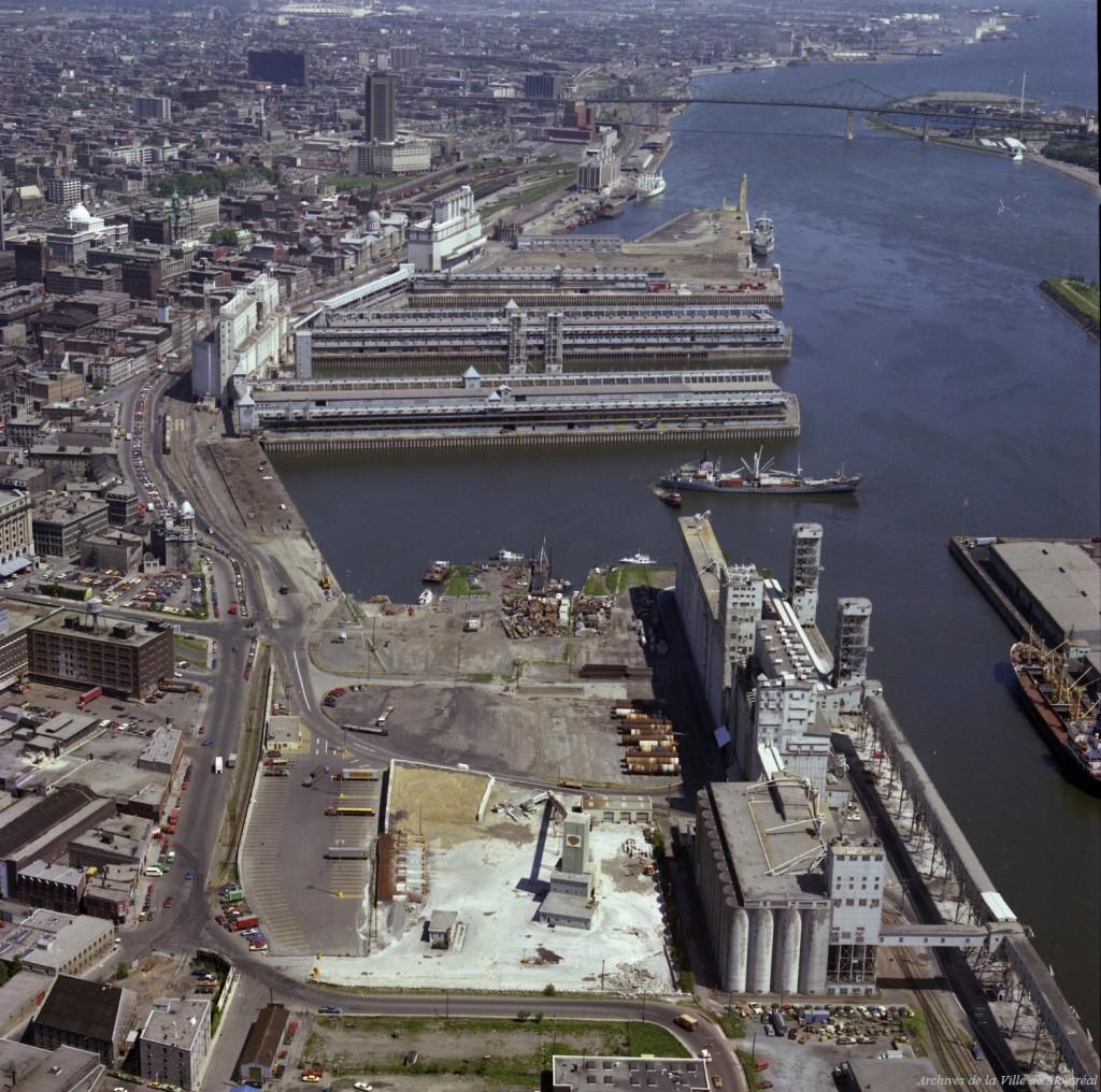 cliquez pour agrandir circa 1976 Photo; Archives Montréal