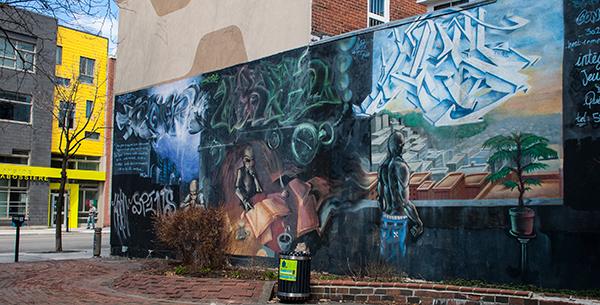 Fresque rue Ontario Est.