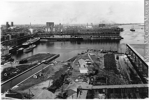 Vu du port de Montréal de l'élévateur B. Photo Musée McCord, fonds William Notman.