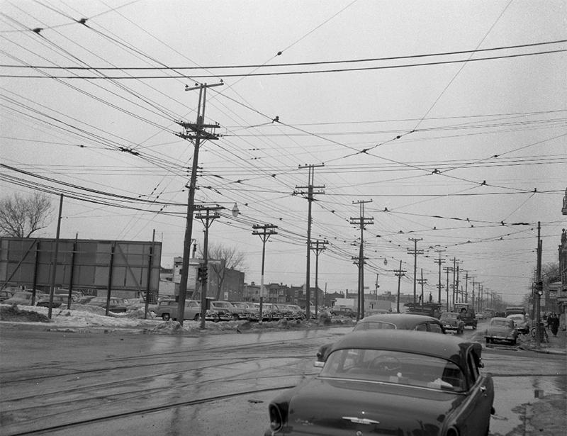 Câbles dans le ciel de Montréal