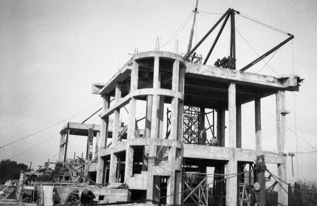 Construction de la station McTavish