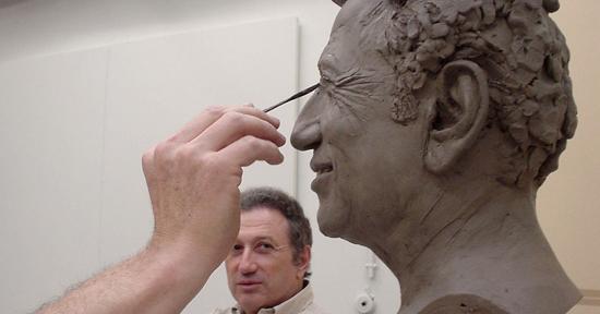 Michel Drucker dans les studio de Grévin-Paris