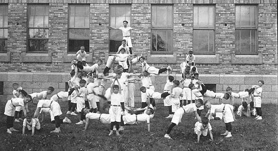 Cours d'Éducation Physique, circa 1920