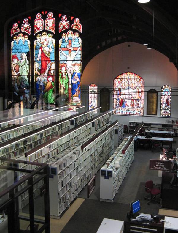 Intérieur de la Bibliothèque du Mile-End