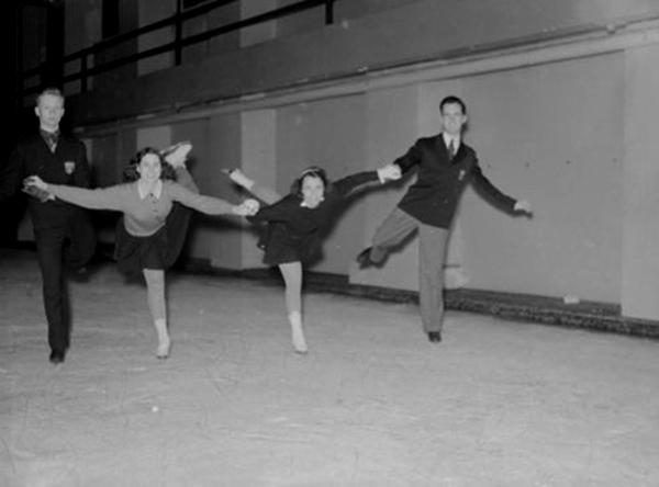 Photo: Fonds Conad Poirier, 1942