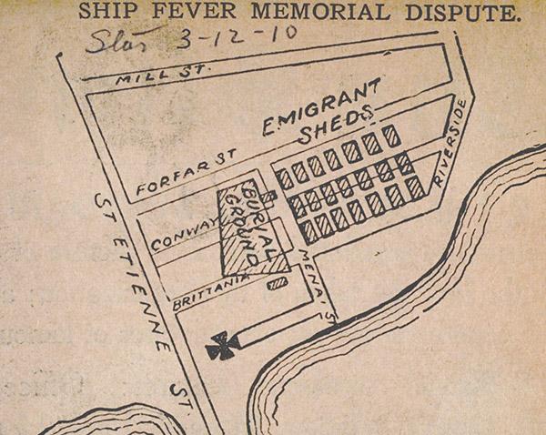 Ce plan montre où les corps étaient enterrés et où les baraques se trouvaient les de l'arrivé des bateaux.