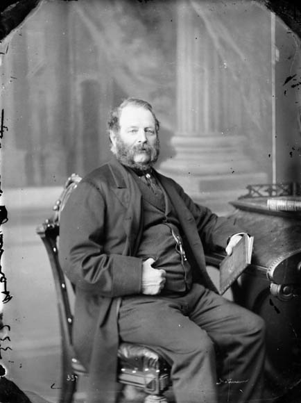 Maire Charles Wilson