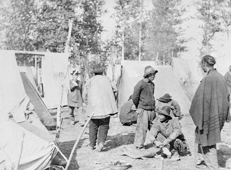 Camp de travailleur chinois sur le Canadien Pacifique, Yale, B-C, circa 1885