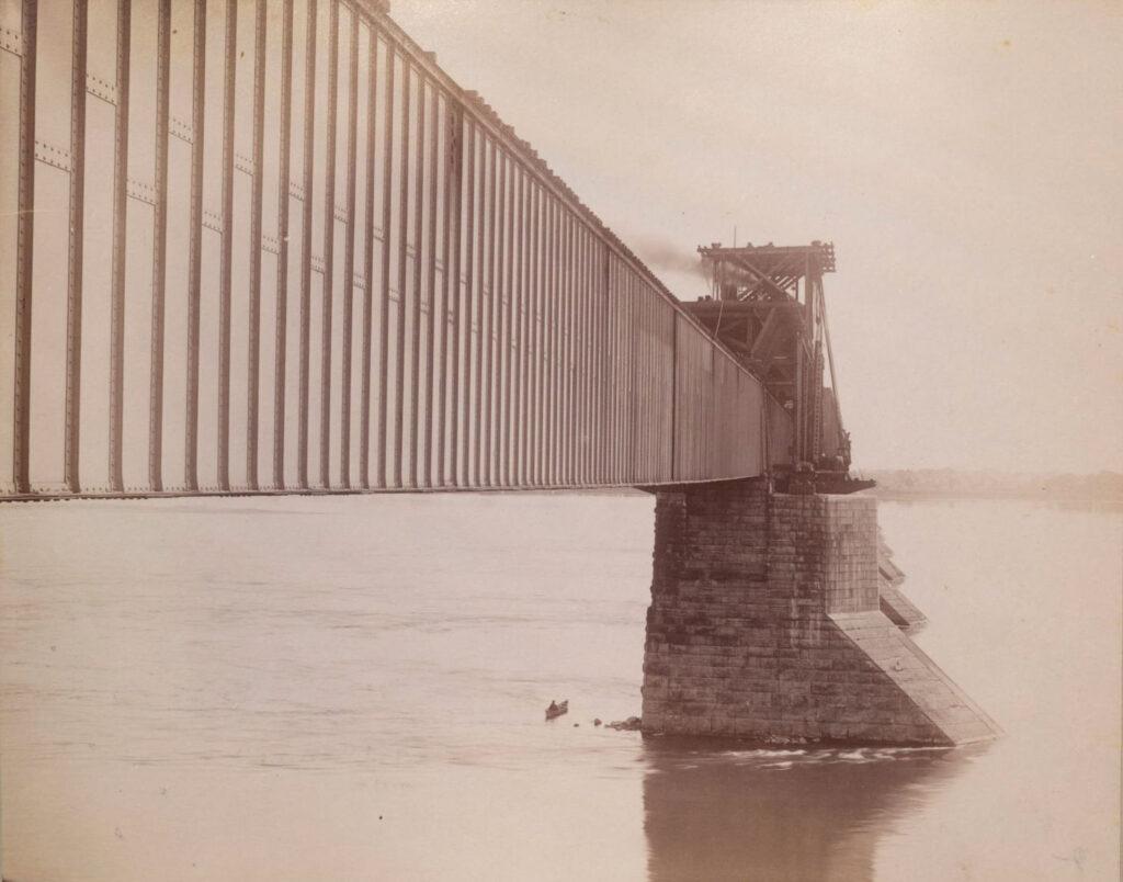 Le pont tubulaire Victoria vers 1890