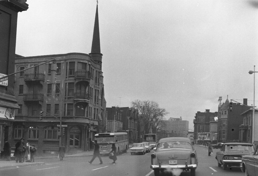 L'édifice Godin en 1961